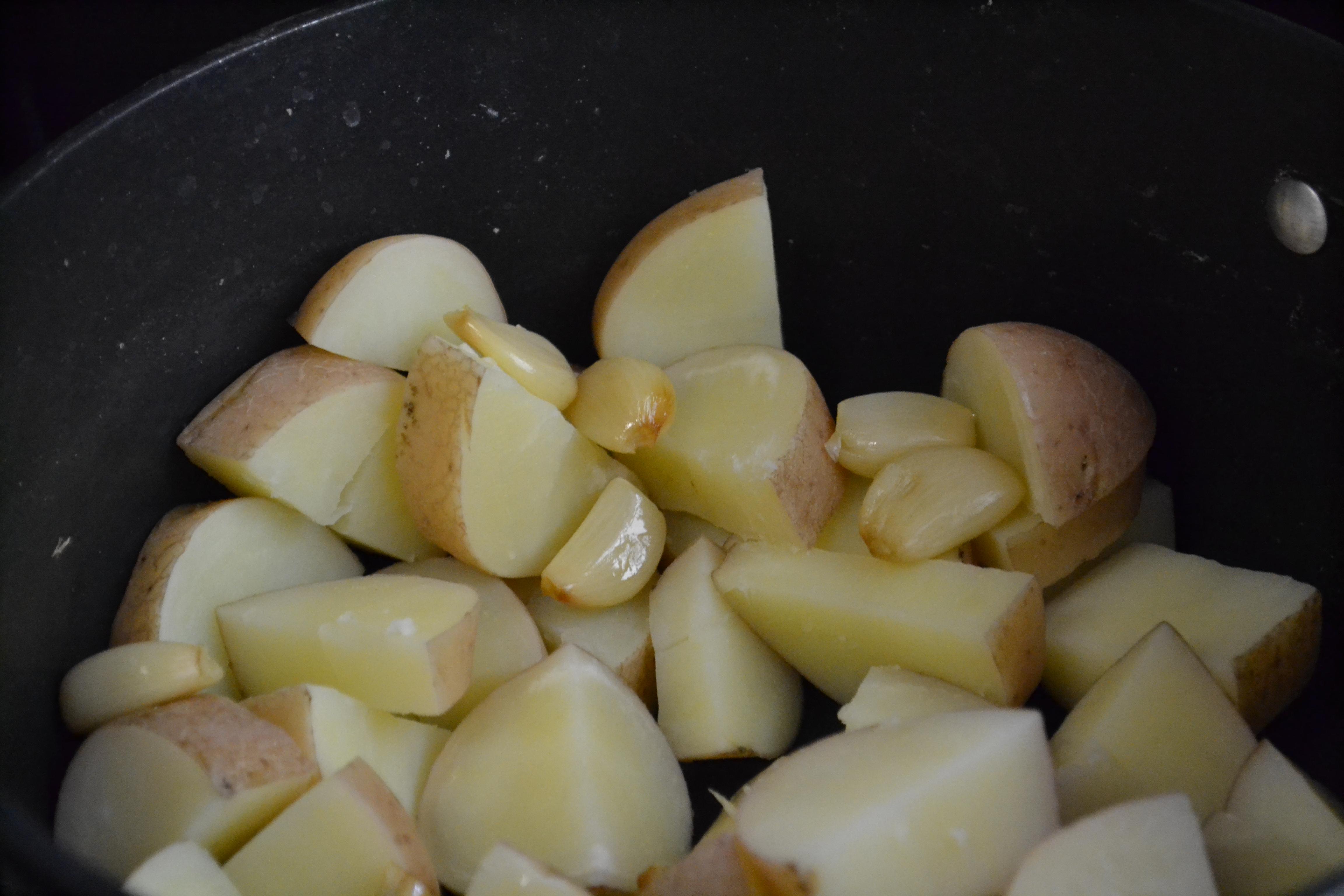 purÊ de batatas roxas
