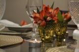 Decor de mesa com porta velas eastromélias
